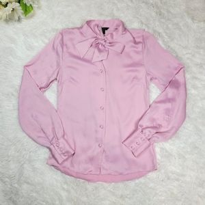 RW&Co Pink Blouse Size XXS Collared Button Up Long Sleeve Business Casual Satin